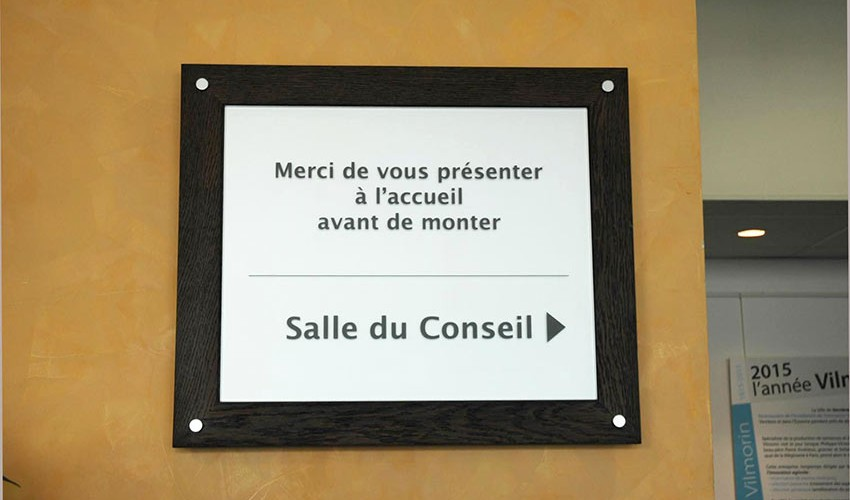 http://www.nap.fr/wp-content/uploads/2015/03/Signaletique-verre-mairie1-850x500.jpg