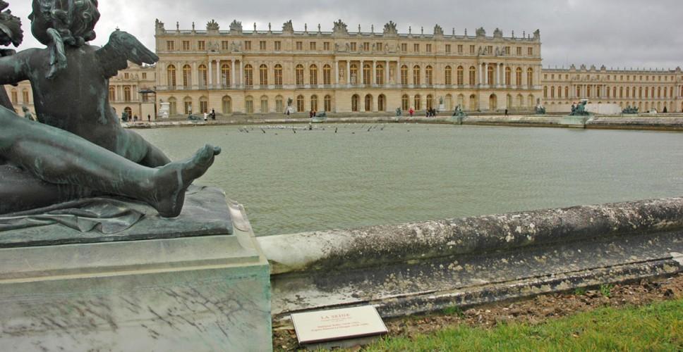 http://www.nap.fr/wp-content/uploads/2015/03/Stratimage-versailles-statue2-968x500.jpg
