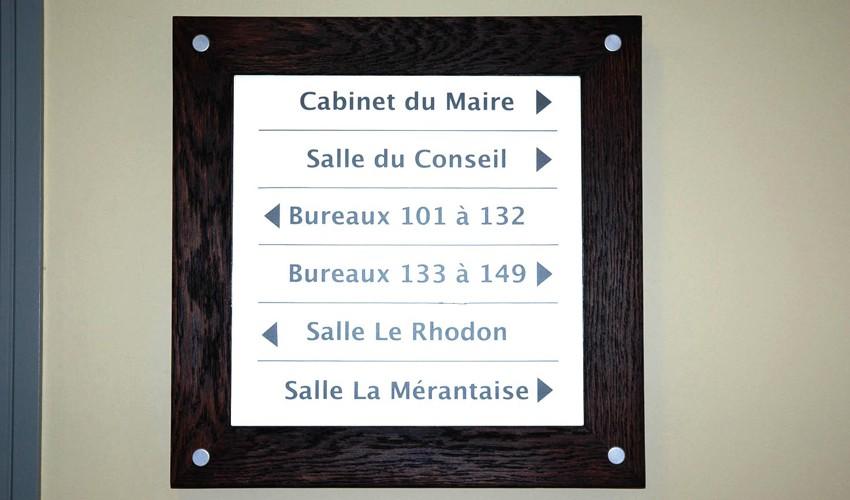 http://www.nap.fr/wp-content/uploads/2015/03/plaque-verre-mairie-850x500.jpg